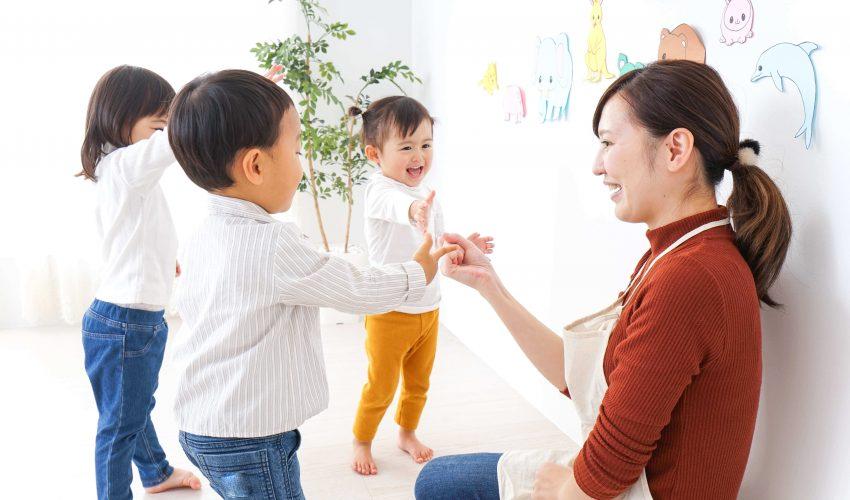 児童指導員と子供
